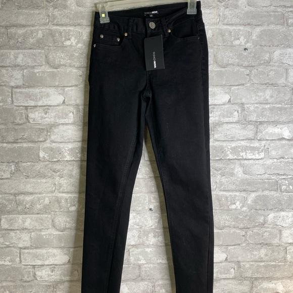 Fashion nova dream big belted ankle jeans size 1